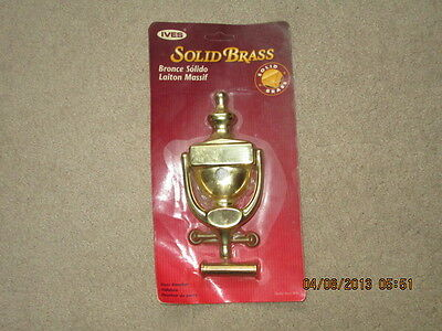 Ives Artisan Collection Solid Brass Door Knocker With Viewer.  New