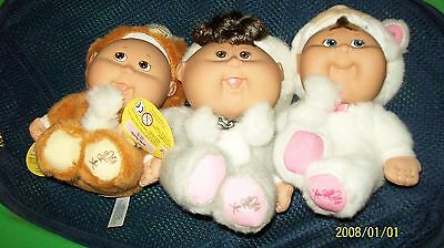 Cabbage Patch Kid 3Dolls Playalong 25Th Anniversary W/ Display Cabbage Leaf Htf