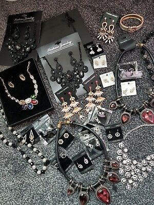 Quality mixed lot of jewellery.