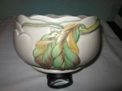 CLARICE CLIFF ' CHESTNUT ' DESIGN FRUIT BOWL FROM THE 1930s. NUMBER 8334.