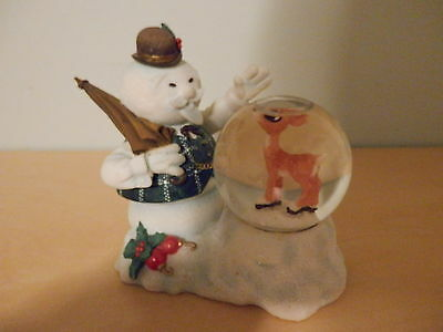 #725145 - Rudolph & The Island Of Misfit Toys Sam Looking At Rudolph Waterglobe