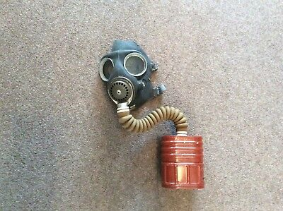 Vintage Collectable Gas Mask No.4