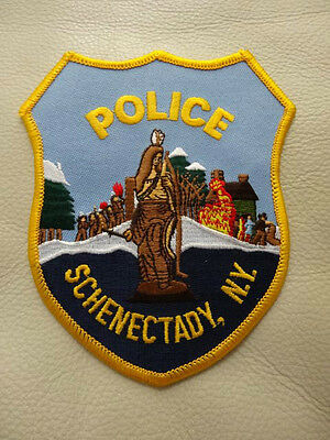 SCHENECTADY, NY.  POLICE PATCH. very collectible!! COLORFUL...