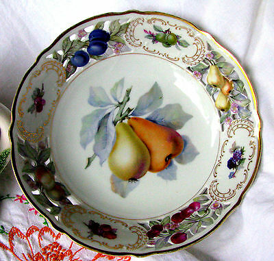"""Schumann Lion and Crown Mark c.1926 Reticulated Pear Fruit 9"""" Embossed Bowl"""