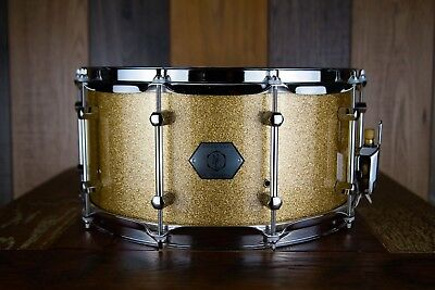 Noble & Cooley Horizon 14 X 7 Maple/Mahogany Snare Drum, Gold Sparkle