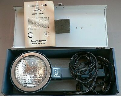 Smith-Victor Model L8 Flood Spot Movie Camera Light Original Metal Box Works
