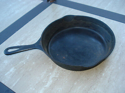 Antique No 7 Cast Iron Skillet, Looks 1800's Erie Casting, Heat Ring