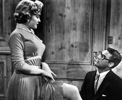 Monkey Business UNSIGNED photo - K3811 - Cary Grant and Marilyn Monroe