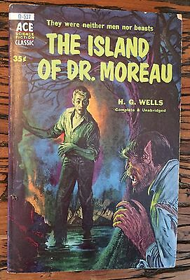 THE ISLAND OF DR MOREAU (Ace Science Fiction Classic D-537) H.G. Wells Paperback