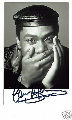 Lenny Henry British Comedian and Actor Hand Signed Photograph 6 x 4 & Note