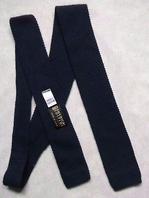 FLAT END KNITTED CROCHET VINTAGE RETRO MOD TIE 1980s NAVY AMERICAN EDITION