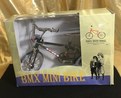 BMX MINI BIKE BICYCLE die cast Metal 1:6 scale desk model MY-0042 NIB