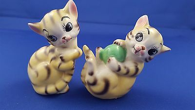 Cute Vtg Stripped Yellow Tabby Cat Salt Pepper Shakers Playful Kitty Ball Japan