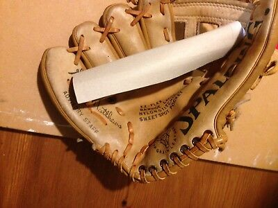 SPALDING LEATHER  BASEBALL  RightHAND Glove