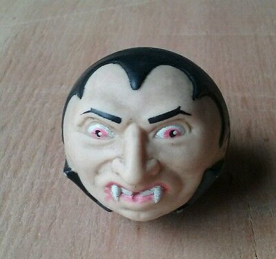 Universal Dracula Spitballs water squirting toy