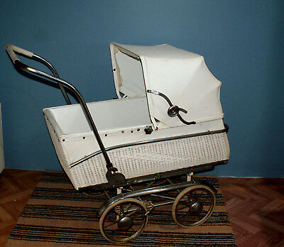 ANTIQUE 1940's PRAM ~ FULL SIZE, VERY GOOD CONDITION ~  DISPLAY, COLLECTOR