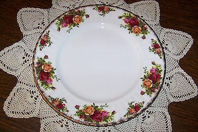Royal Albert England - Old Country Roses - 10 3/8-inch Dinner Plate (Ex. Cond.)