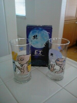 ET The Extra-Terrestrial Glasses (2) & VHS Taoe