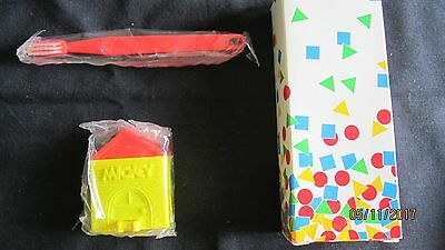 FREE SHIPPING! ~ Disney's Mickey Mouse Toothbrush Holder &Toothbrush ~New in Box