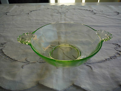 Vintage Anchor Hocking Green Uranium, Shell Handled Berry Bowl