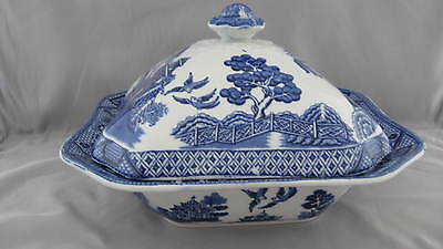 "Woods Ware ""Blue Willow"" Covered Vegetable Dish"