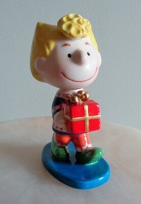 "PEANUTS FLAMBRO ""SALLY WITH A PRESENT"" Figurine 50TH Anniversary 2000"