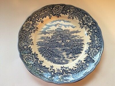 OLDE STAFFORDSHIRE COLONIAL VILLAGE Salem China Co DINNER PLATE 10""