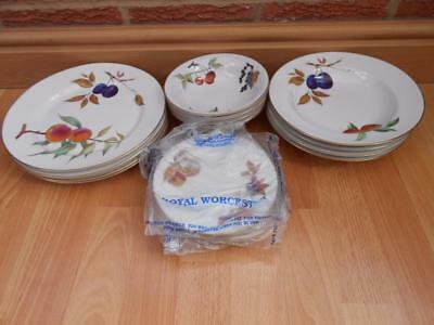 Royal Worcester Evesham Gold Tableware - 16 Pieces