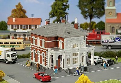 FALLER #131311 - 'OFFICIAL BUILDING' - HO scale plastic model kitset suit Hornby