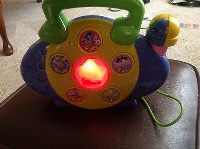 2005 Backyardigans Sing A Long Music Maker Radio With Microphone