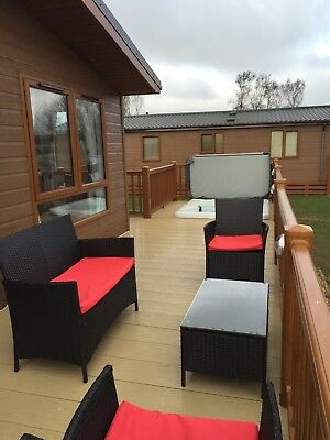 Luxury Holiday Lodge, Hot Tub and WIFI at Tattershall Lakes