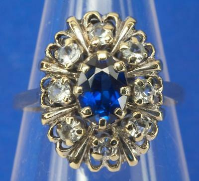 A VINTAGE SOLID 9ct GOLD NATURAL SAPPHIRE & SPINEL CLUSTER RING size M/N