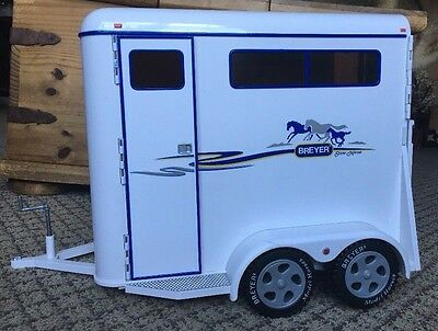 BREYER Traditional Large SHOW HORSES 2 Stall TRAILER 2002