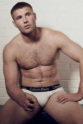 Ben Cohen Unsigned Photo - K4242 - Former England Rugby Union Player - Topless!!