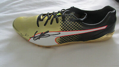 "signed "" USAIN BOLT "" GOLD Puma Running Spike (PROOF & COA)"
