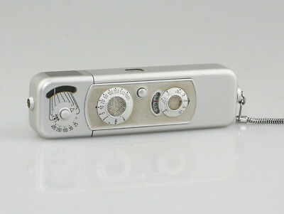 MINOX B Sub-miniature Camera in Chrome w/ 1:3.5/f=15mm Lens - Excellent (NZ128)