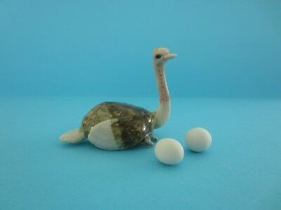 MAMA OSTRICH FIGURINE WITH TWO EGGS DISCONTINUED, HARD TO FIND *Mint*