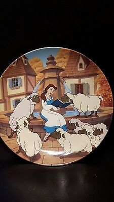 Disney's Beauty and the beast collector Plate Belle's Favorite Story beautiful