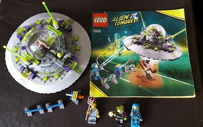 Lego Alien Conquest 7052 UFO Abduction with instructions. COMPLETE.