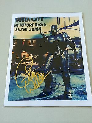PETER WELLER ROBOCOP SIGNED 8x10 WITH COA