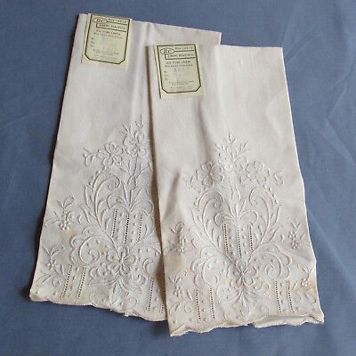 """MD- 2 Vintage NWT Ecru Linen embroidered guest hand towels 11 x 16"""""""