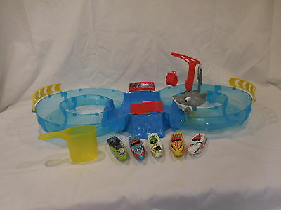 Zuru Micro Boats Racing Track Playset Model:23905447 + 5 Boats