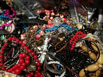 Large Job Lot of 16kg MIXED COSTUME JEWELLERY Necklaces, Bracelets, Craft