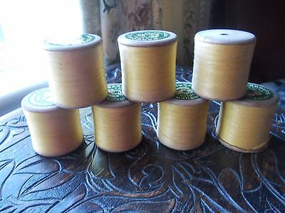 """VINTAGE """"BARBOUR'S"""" 3 CORD 2 OUNCE KL No.35 THREAD X 7 ON WOODEN BOBBINS -UNUSED"""