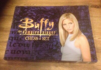 Buffy The Vampire Slayer Chess Set 100 % Complete Vintage Rare Collectable VGC!