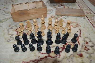 Vintage Set Of Wooden Chessmen Chess Pieces In Wood Box Complete