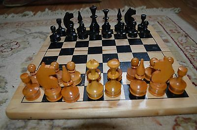 Vintage Set Of Polished Box Wood Chessmen Chess Pieces Wood Board Complete