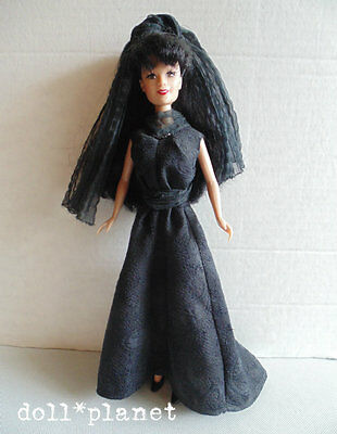 Rare JADE Doll early Integrity Toys Asian Goth Fashion black shoes Barbie sized