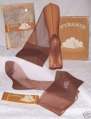 "3 Pairs Of Authentic ""pyramid"" Vintage Fully Fashioned Nylon Stockings"