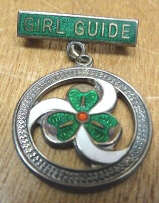 Solid Silver Enamel Girl Guide Badge.